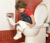 copilul la toaleta