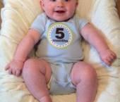 bebelusul la 5 luni