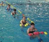 la piscina cu burtica